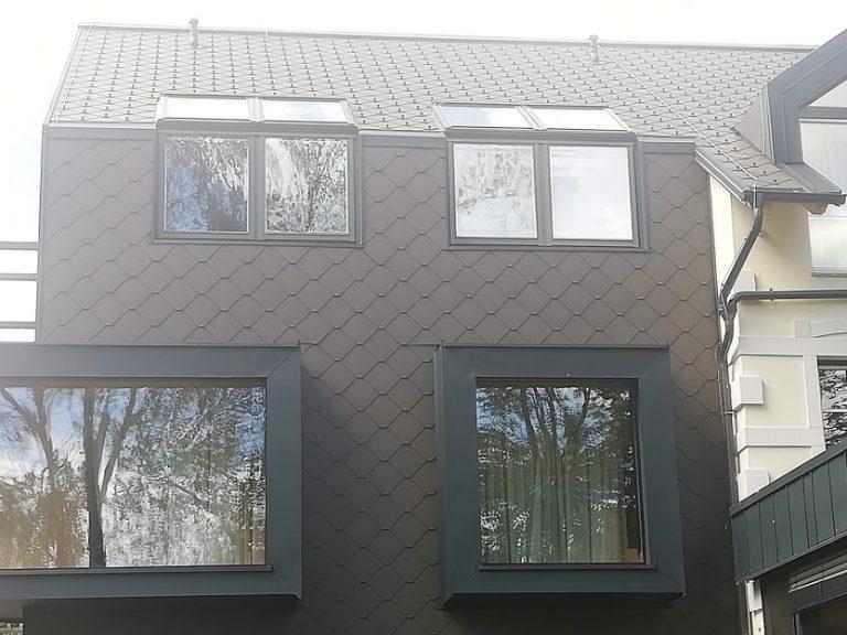 vertikalno okno + strešno okno