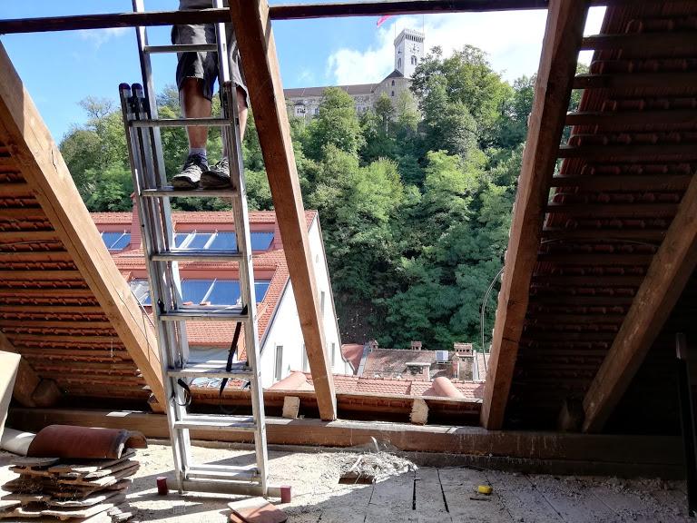 strešni balkon